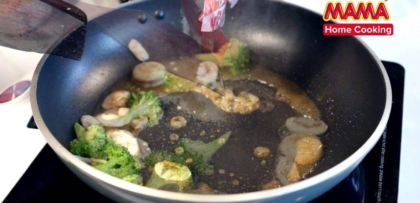 Stir Fried MAMA Tomyum Flavour